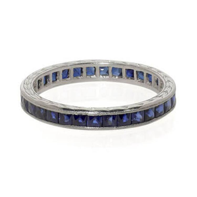 Vintage inspired sapphire band