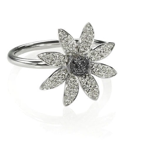 Edgy diamond flower ring