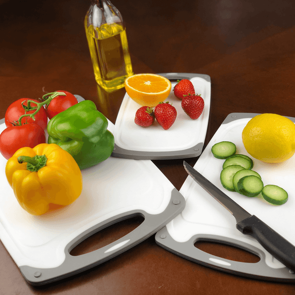 Gray Set of Three Cutting Boards