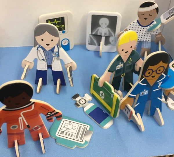 Play Press doctor and nurse figures