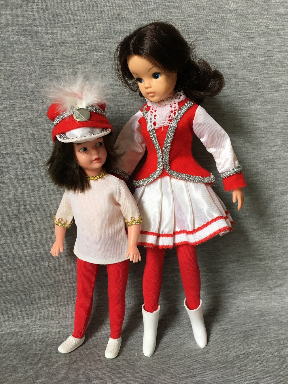 Patch and Sindy in Faerie Glen majorette outfits