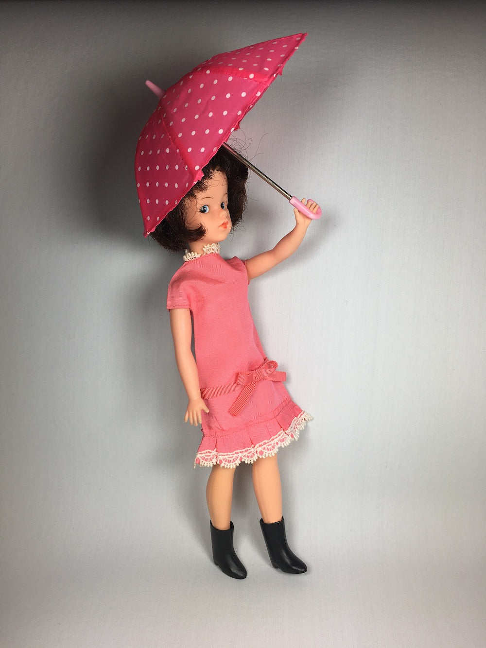 Sindy in Dream Date 1963 with a pink polka dot umbrella