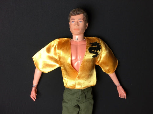 Mattel Big Jim kung fu top in yellow satin with black dragon 7352 fit 12