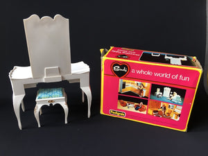 Pedigree Sindy Dressing Table and Stool 1976 white furniture with box #44505