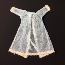 "Load image into Gallery viewer, Pedigree Sindy ""Misty Blue"" 1977 blue net lace peignoir negligee 44300"