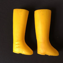 Load image into Gallery viewer, Sindy yellow boots 1970s Pedigree knee high sole is 3cm long