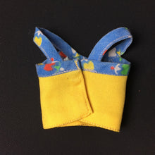 Load image into Gallery viewer, Pedigree Sindy Romany Girl 1977 yellow blue strappy top 44291