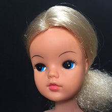 Load image into Gallery viewer, Pedigree Sindy Funtime doll 1975 blonde hair twist waist MPN 44679