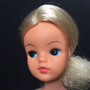Pedigree Sindy Funtime doll 1975 blonde hair twist waist MPN 44679