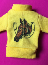 Load image into Gallery viewer, Sindy Pony Club top 1979 long sleeve yellow horse face shoe 44205