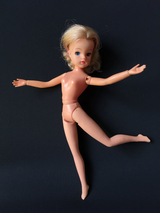 Pedigree Sindy Active DOLL 1977 poseable ballerina dancer ash blonde
