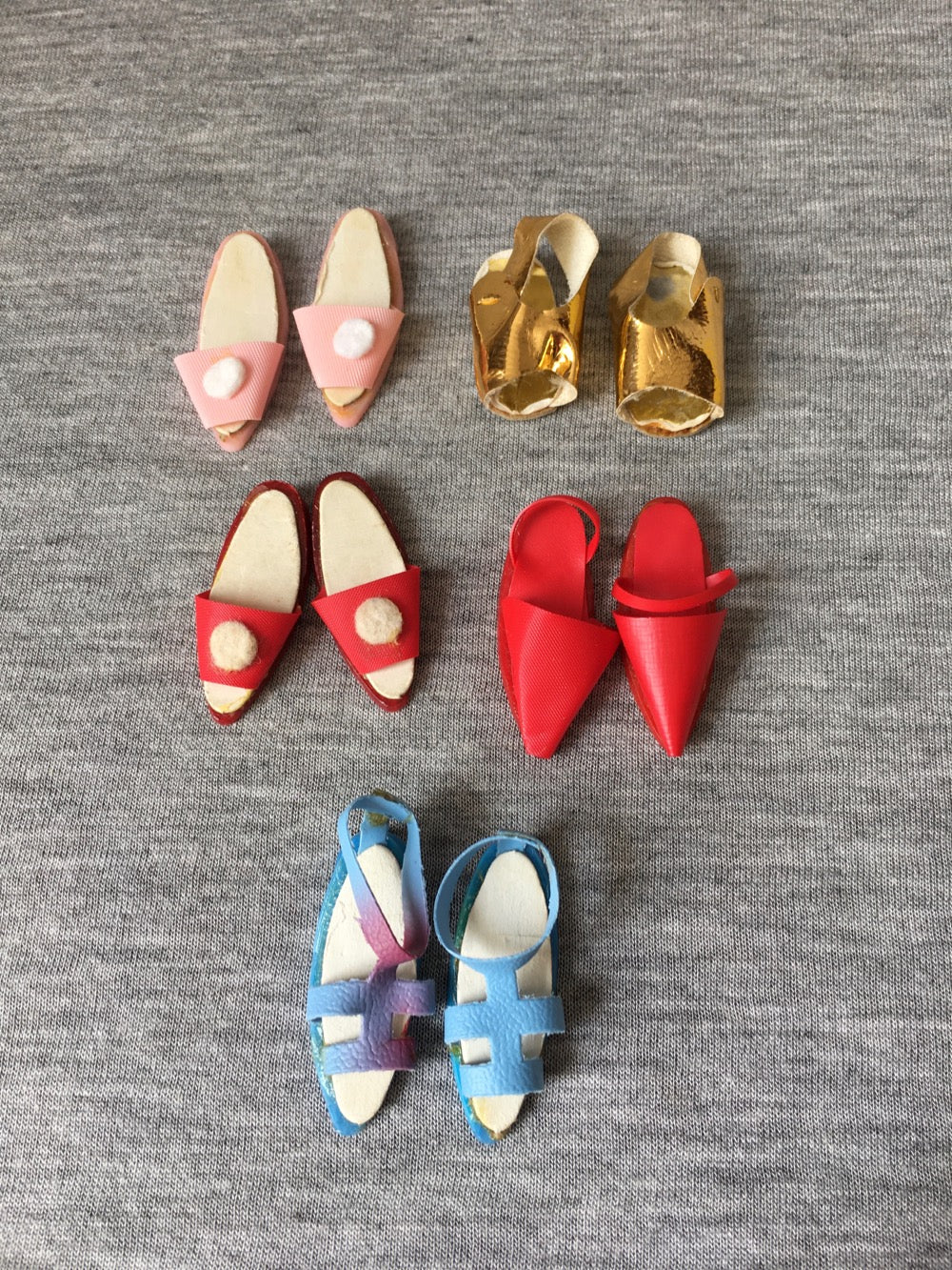 5 pairs of vintage Faerie Glen doll shoes