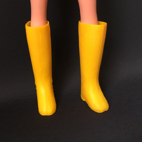 Sindy yellow boots 1970s Pedigree knee high sole is 3cm long