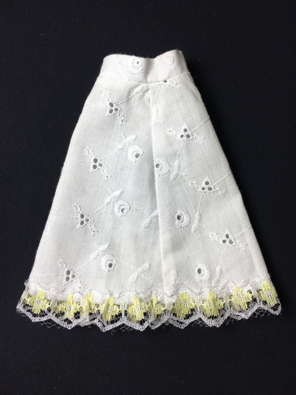 Sindy Smarty Pants petticoat skirt 1979 Pedigree 44200 white broderie anglaise