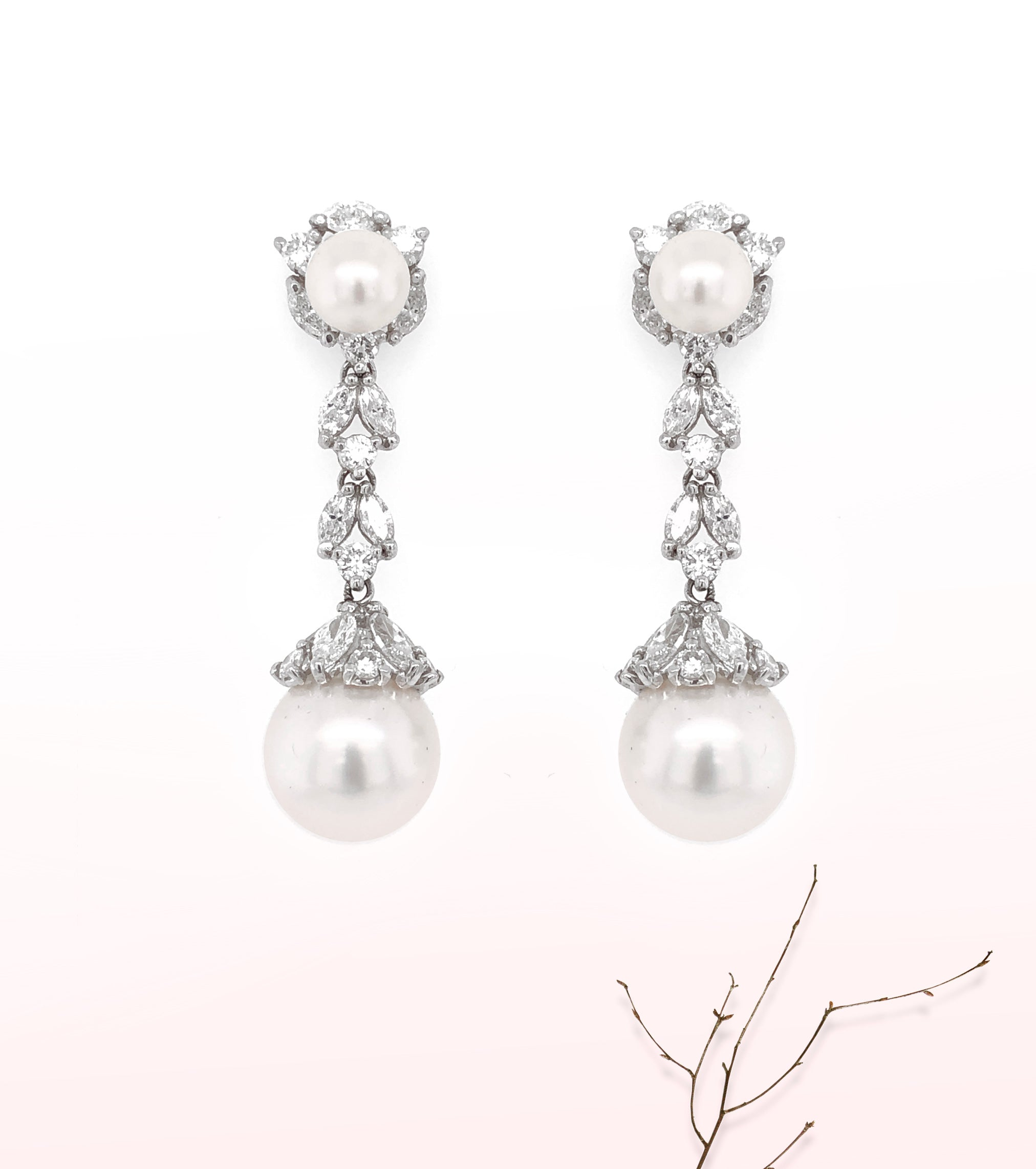 Dangle pearl earrings - Max Jewelry Inc.
