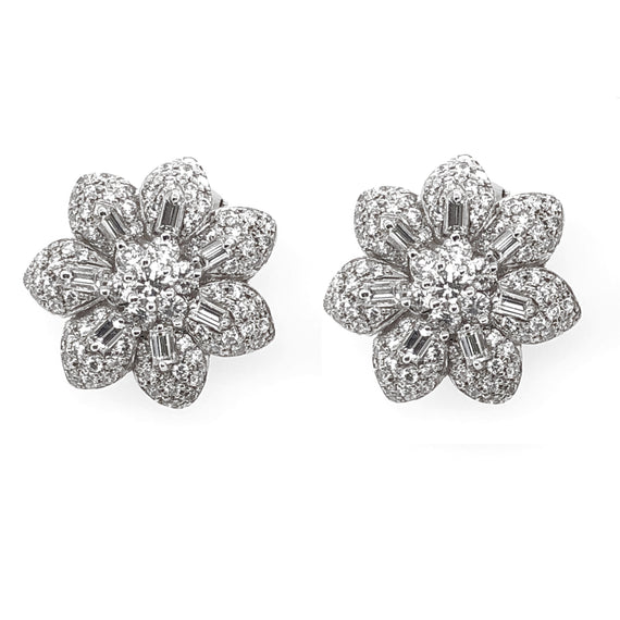 Contemporary flower diamonds 4.55 carat platinum earrings