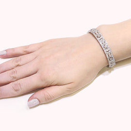 Retro Inspired Round Cut White Diamonds 10.21 Carat Link Platinum Bracelet