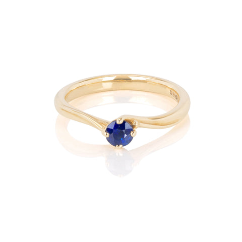 Solitaire Sapphire Twist 9ct Gold Ring