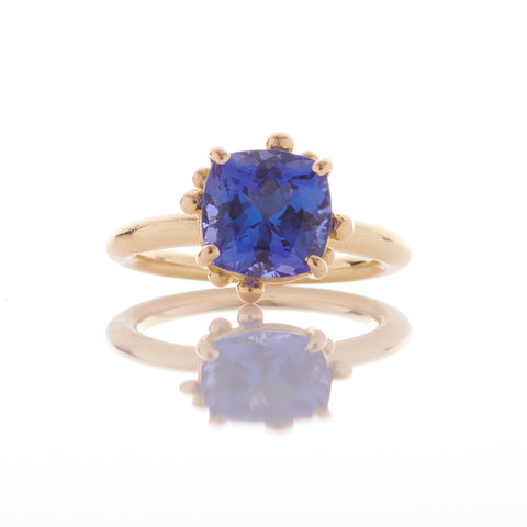Cushion Tanzanite 18ct Gold Ring