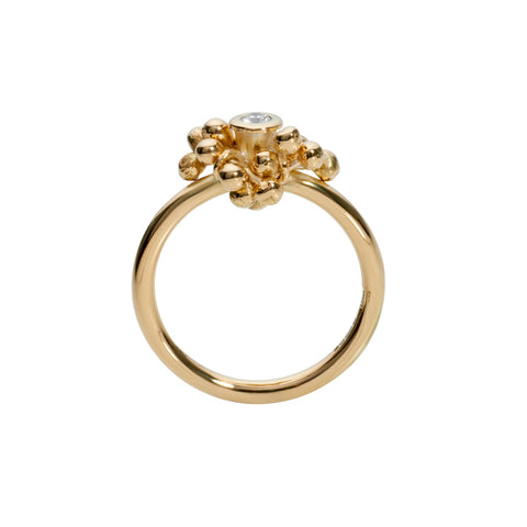 Side Profile of 18ct gold and central diamond ring. Designed and handmade by Yen Jewellery