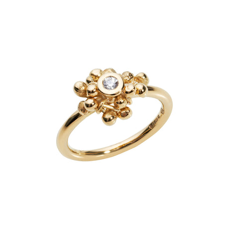 18ct gold and diamond statement ring. A cluster of gold and a central diamond. Designed and handmade by Yen Jewellery