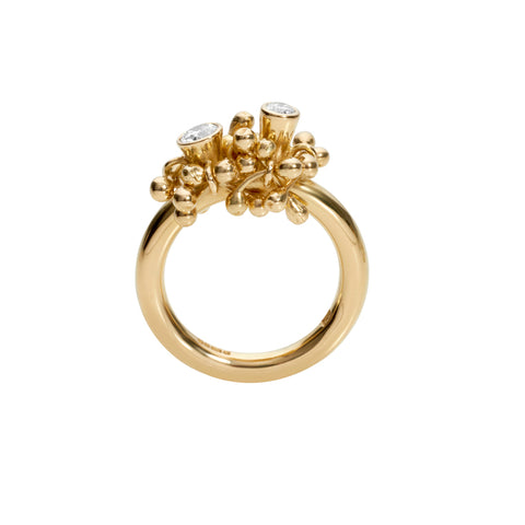 Side profile of 18ct gold and diamond statement ring. Handmade by Yen Jewellery