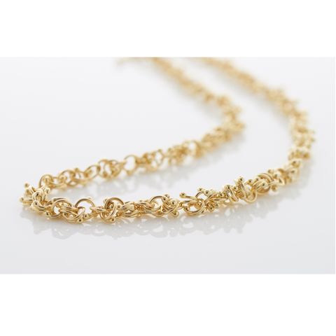 18ct yellow gold interlocking orbs make up this contemporary chain necklace.