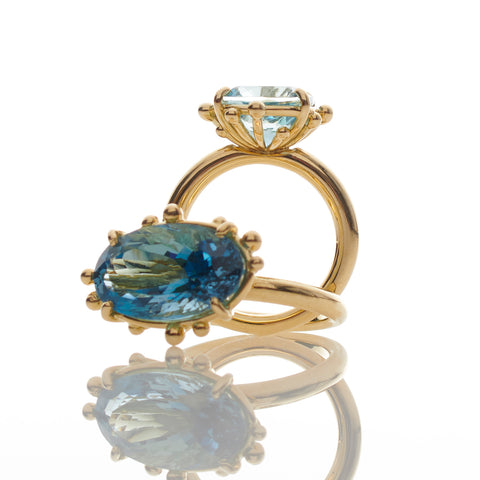 Oval Aquamarine Gold Ring