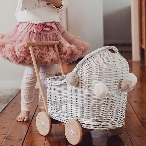LiLu Dolls Wicker Pram