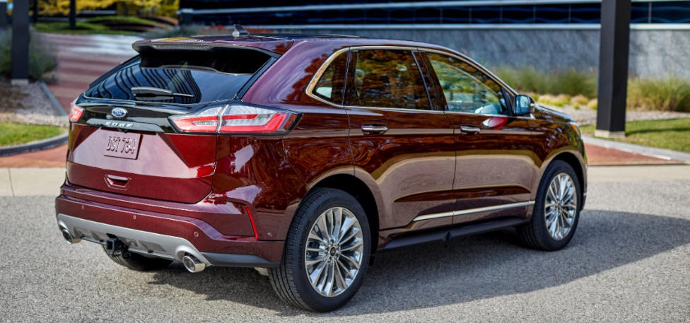 2021 Ford Edge Back View