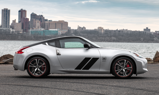 The silver and black version of the 2020 Nissan 370Z