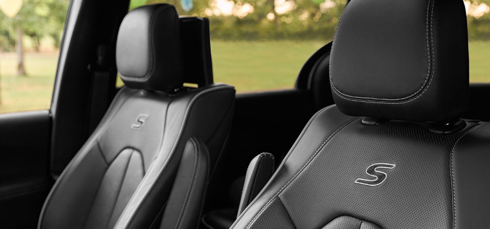 2020 Chrysler Pacifica - S Edition Front Seats