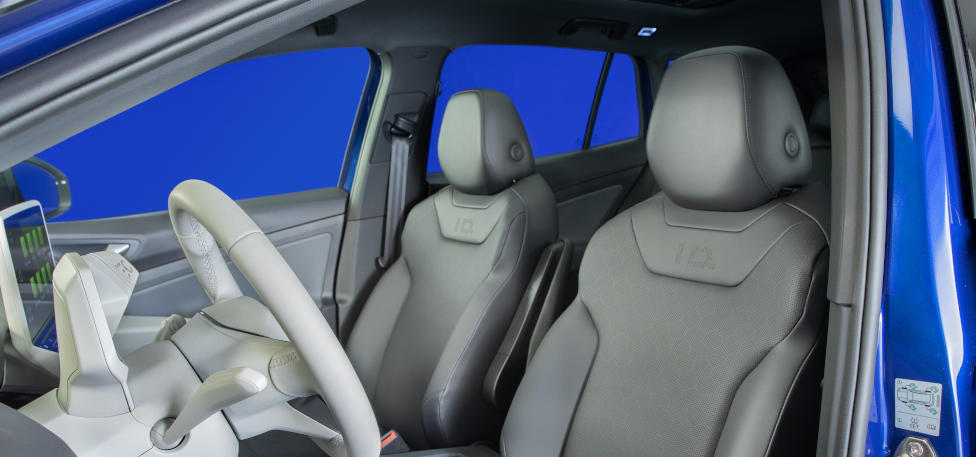 2021 Volkswagen ID.4 First Front Seats