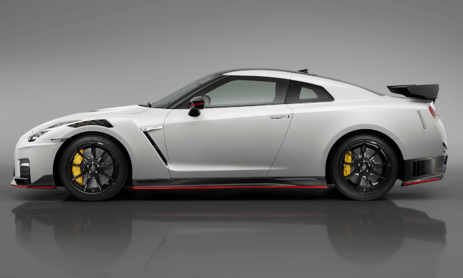 The new 2020 Nissan GT-R