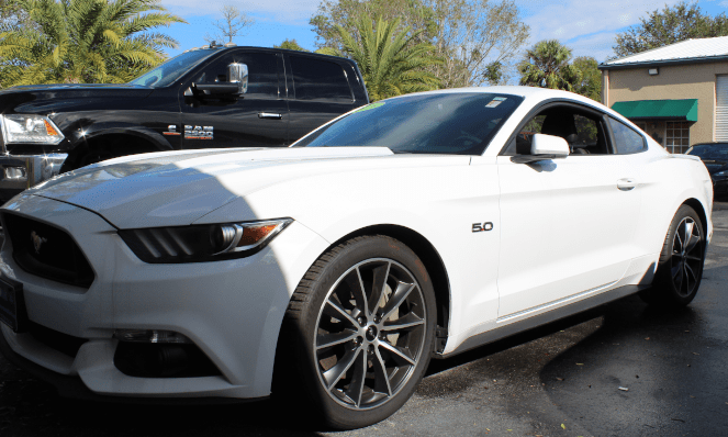 The Infotainment 2016 Ford Mustang GT 5.0 Research and Development Car