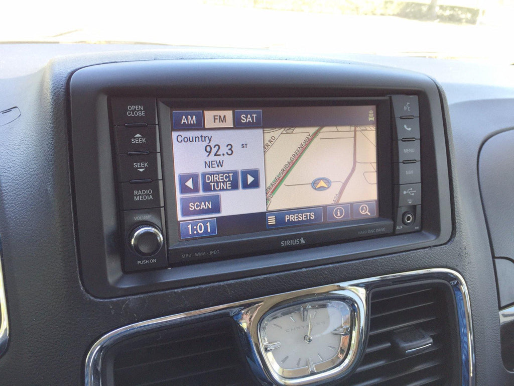 chrysler 2011 town and country radio