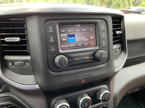 2019-2020 RAM Truck UAA Radio Uconnect 3 with 5-Inch Display