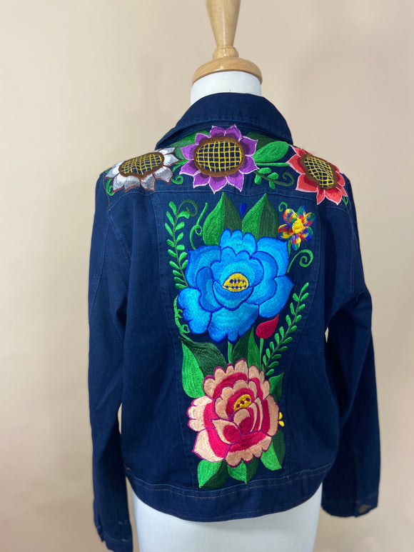 Flores Bordadas Denim Jacket