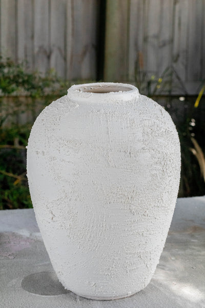 DIY-Texture-Paint-Vases-by-Jaharn-Quinn-Smor-Kitchen