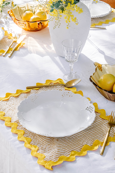 DIY-Wavy-Placemats-by-Jaharn-Quinn-Smor-Kitchen