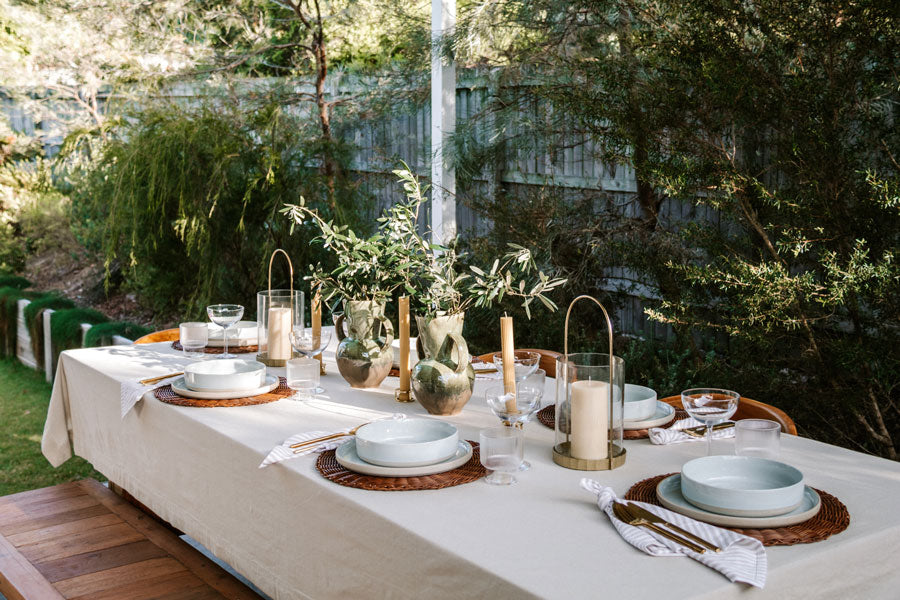 Smor-Kitchen-DIY-Christmas-Holiday-Tablescape-Table-Setting