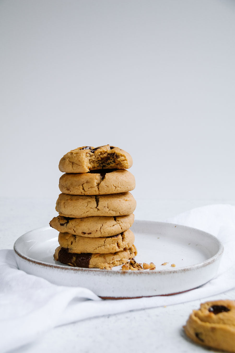 Smor-Kitchen-The-Best-Miso-Nut-Butter-Chocolate-Chip-Cookies-Recipe-Jaharn-Quinn