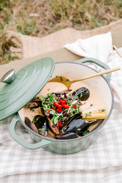 Thai-Coconut-Mussels-with-Toasted-Coriander-Garlic-Buttered-Sourdough_Smor-Kitchen_Jaharn-Quinn