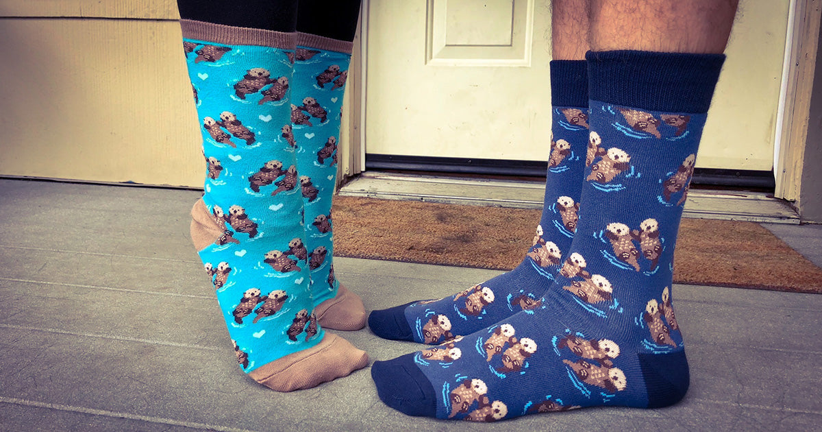Significant Otter Socks for men with a pattern of sea otter couples, perfect for giving on Valentine's Day.