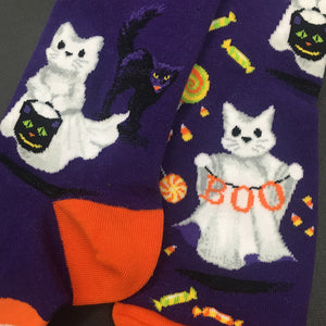 Ghost cat socks for Halloween feature cute cat ghosts trick-or-treating.