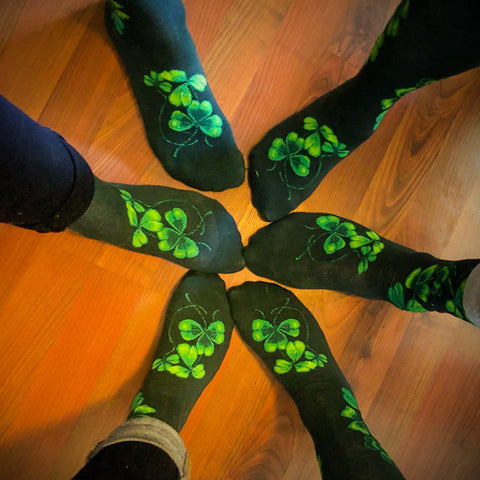 Shamrock socks for men and women in a circle