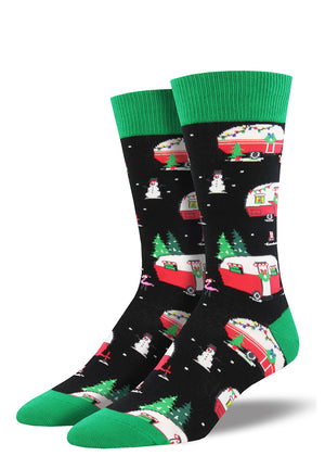 Have a carefree Christmas in these men's socks with campers decorated for the holidays.