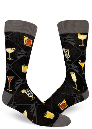 Classic cocktail socks for men show alcoholic drinks on socks.