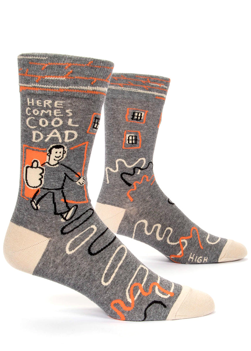 "Funny men's socks that say ""Here comes cool dad"" with a dad giving a thumbs-up on gray socks"