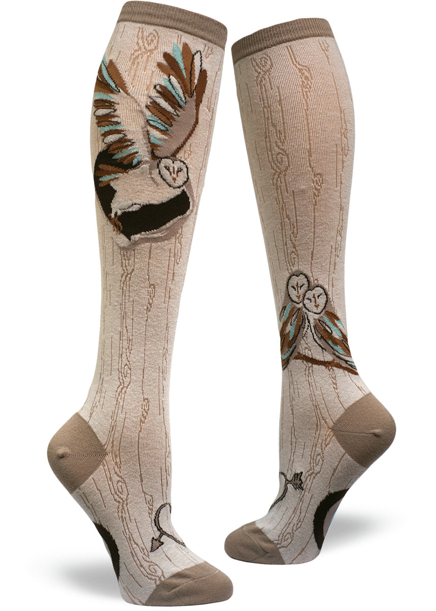 Barn Owl Knee Socks for women with a woodgrain-patterned background taupe and carved heart on the foot